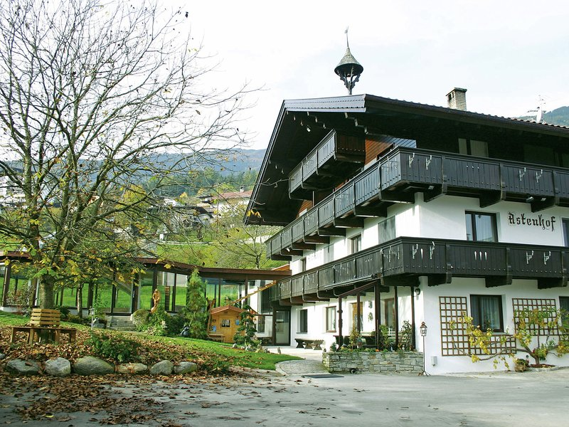 Vintage Apartment in Fügen Tyrol near Ski Area Chalet in Fugen