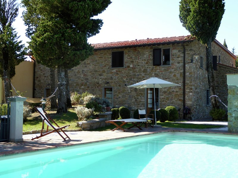 Attractive apartment in farmhouse with pool in beautiful surroundings, holiday rental in Pian del Voglio