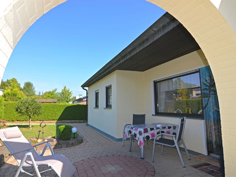 Detached holiday home near the Hennesee with terrace and garden, alquiler vacacional en Kirchrarbach