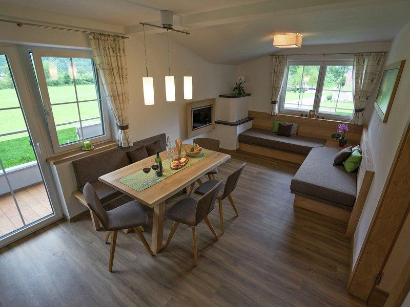 Luxurious Apartment near Four Ski Lifts in Mayrhofen, holiday rental in Schwaz