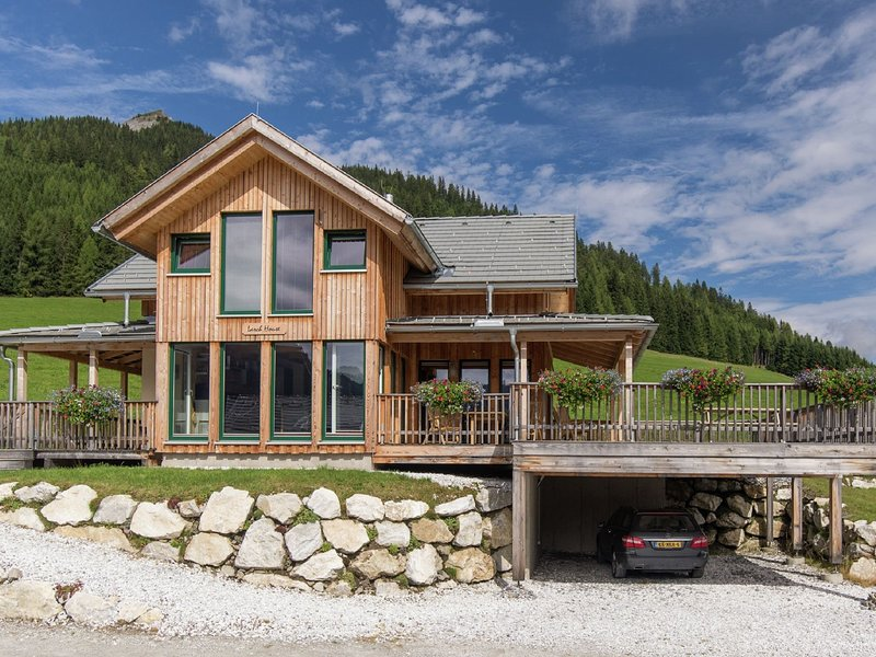 Luxurious Chalet in Hohentauern with Sauna, holiday rental in Sankt Gallen