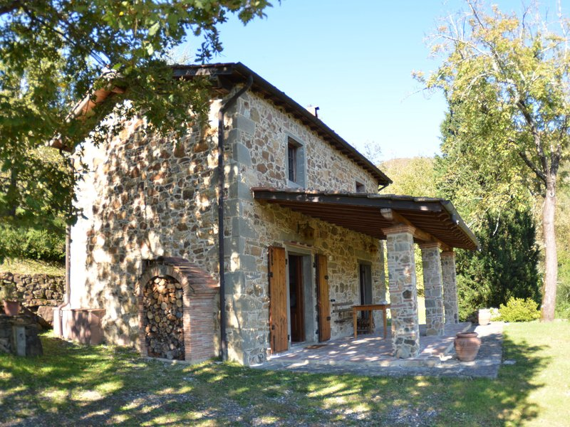 Lovely Cottage in Bagni di Lucca Amidst Fields, holiday rental in Fabbriche Casabasciana
