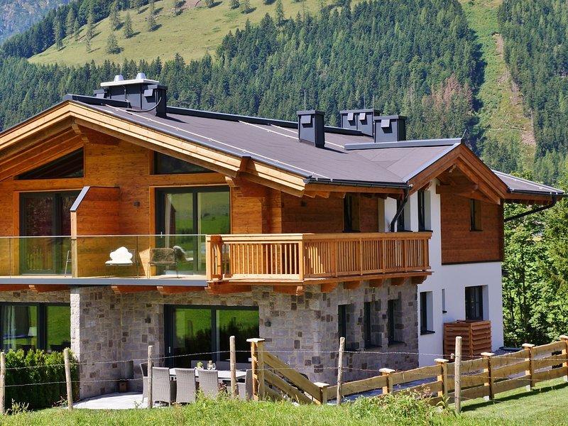 Exquisite Holiday Home in Krimml with Sauna, location de vacances à Krimml