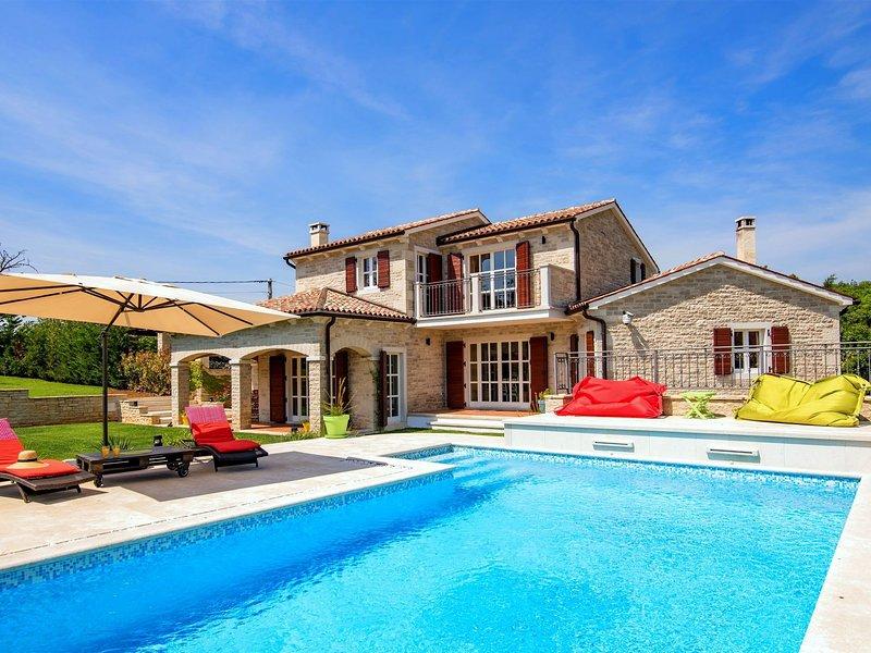 Splendid Villa in Baderna with Private Swimming Pool, aluguéis de temporada em Fabci