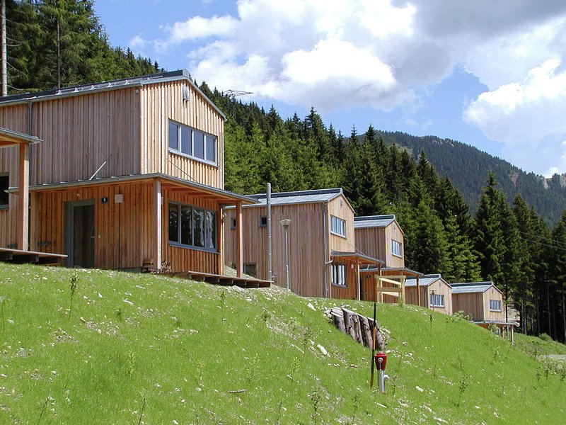 Modern Chalet in Präbichl with Terrace, location de vacances à Seewiesen