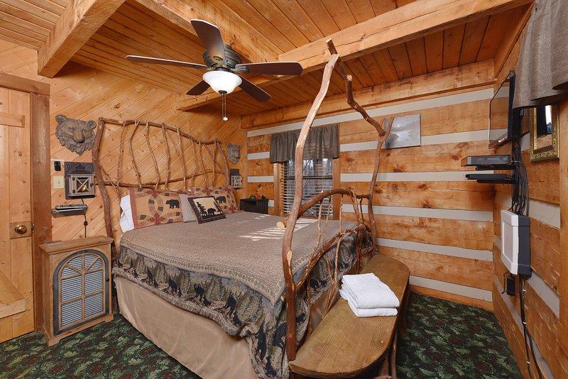 Ventilatore a soffitto, letto, mobili, legno duro, edificio
