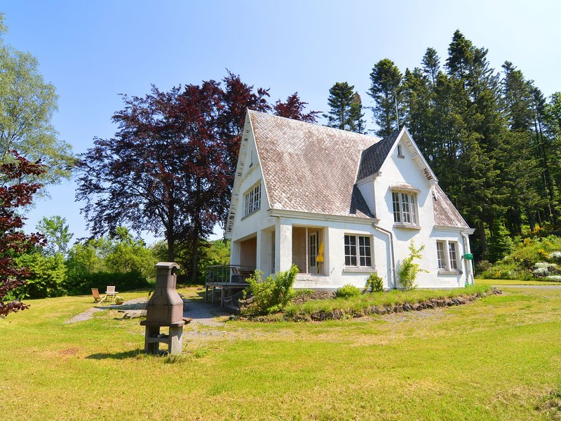 A superb cottage  in the middle of a natural park., vacation rental in Marcourt
