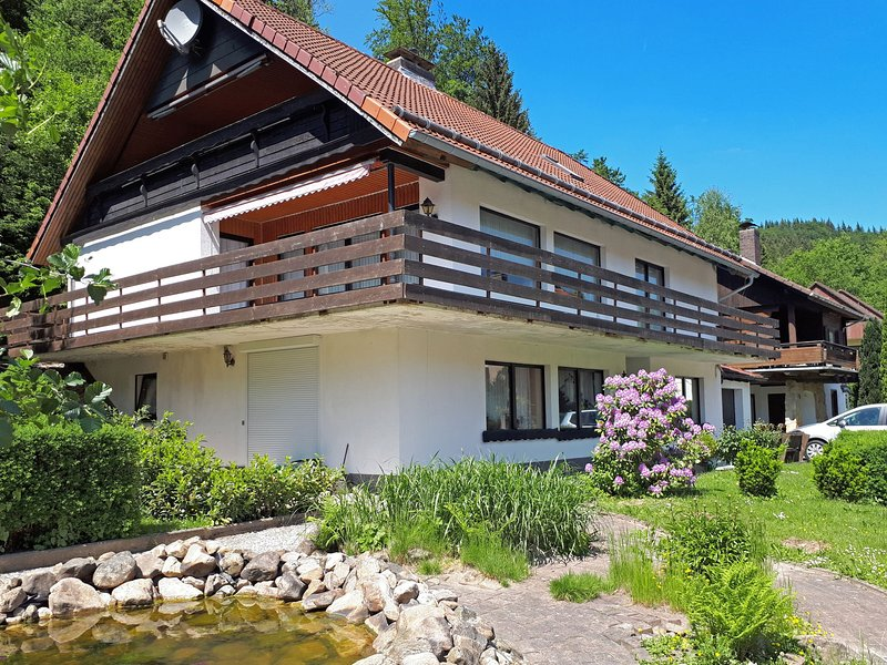 Modern Apartment in Riefensbeek-Kamschlacken with Balcony, location de vacances à Herzberg am Harz