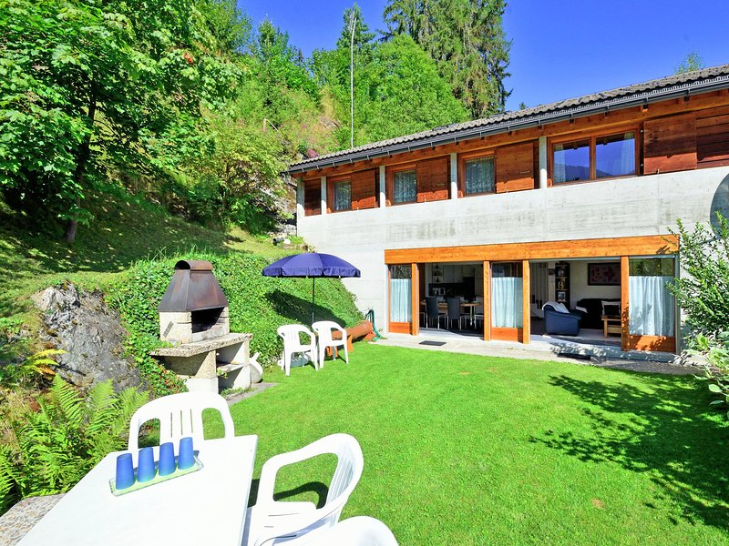Gorgeous Holiday Home in Riddes With Terrace, holiday rental in Riddes