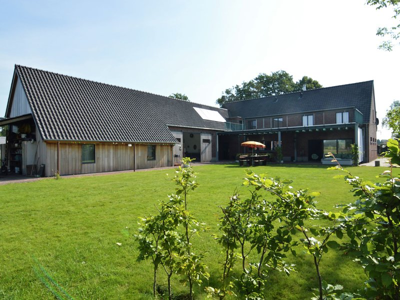 Magnificent farm for 12 people in vintage style in forested surroundings, holiday rental in Merksplas