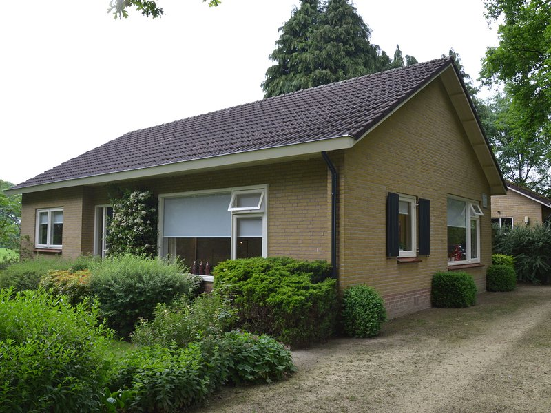Rural holiday home, wildlife spotting from the garden, Achterhoek, holiday rental in Silvolde
