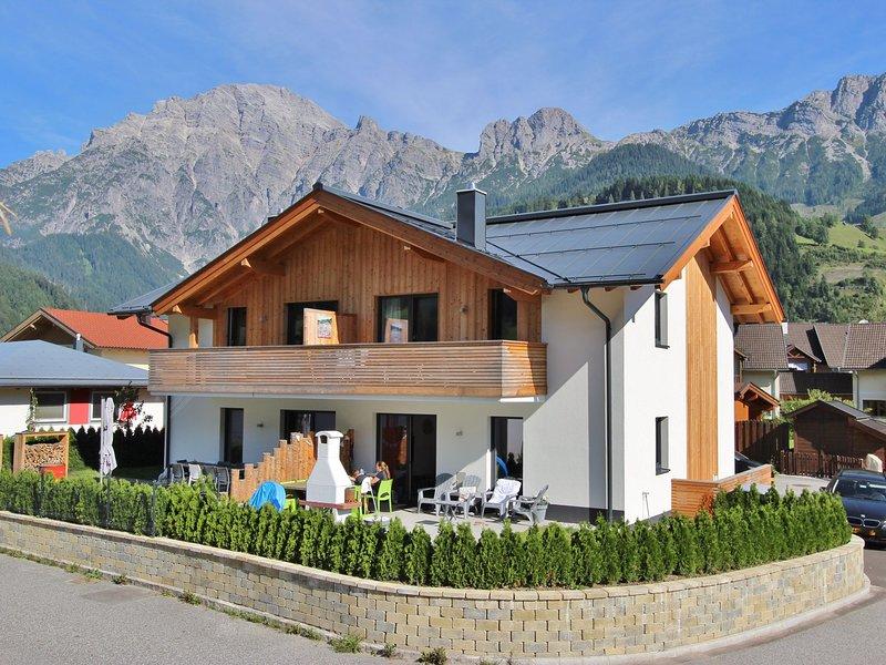 Cozy Apartment with Sauna near Ski Area in Leogang, casa vacanza a Saalfelden am Steinernen Meer