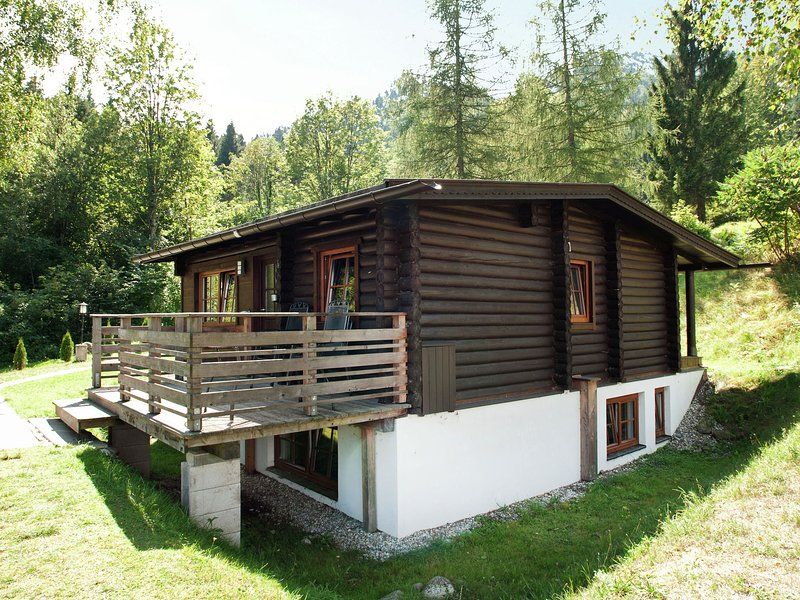 Spacious Chalet in Wörgl-Boden near Ski Arae, location de vacances à Worgl