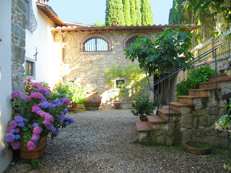 Renaissance villa in the heart of the Mugello, 35 km from Florence., holiday rental in Vicchio