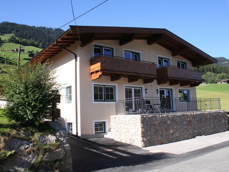 Luxurious Holiday Home in Tyrol Austria with Terrace, holiday rental in Windau