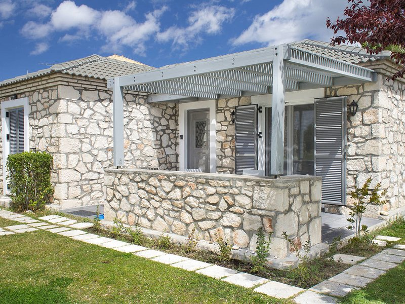 Welcoming Villa near Sea in Agrilia, holiday rental in Kalpaki