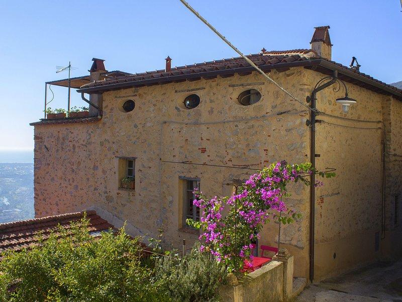 Very atmospheric decorated apartment in the heart of the Tuscan hills, aluguéis de temporada em Salapreti
