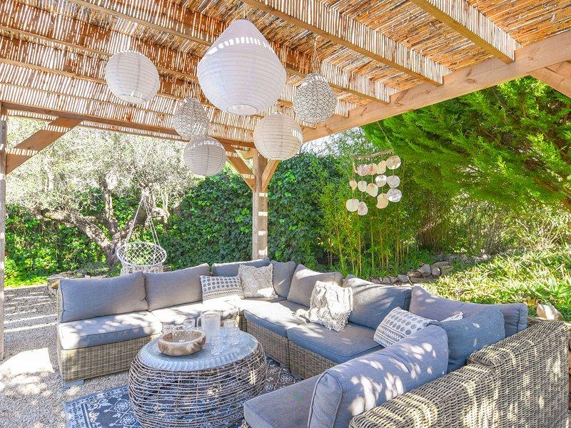 Beautiful Villa with Private Pool in Benissa, Ferienwohnung in Canor