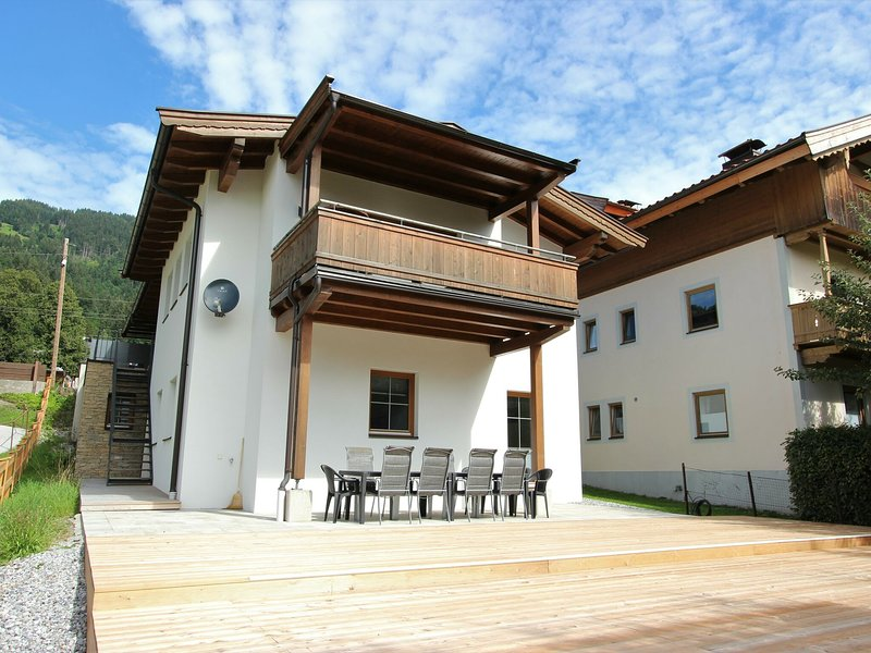 Modern Chalet in Westendorf Tyrol near Ski Area, aluguéis de temporada em Windau