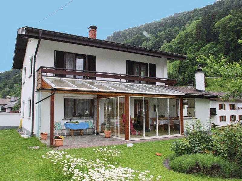 Cozy Holiday Home in Gantschier near Ski Area, alquiler de vacaciones en Bludenz