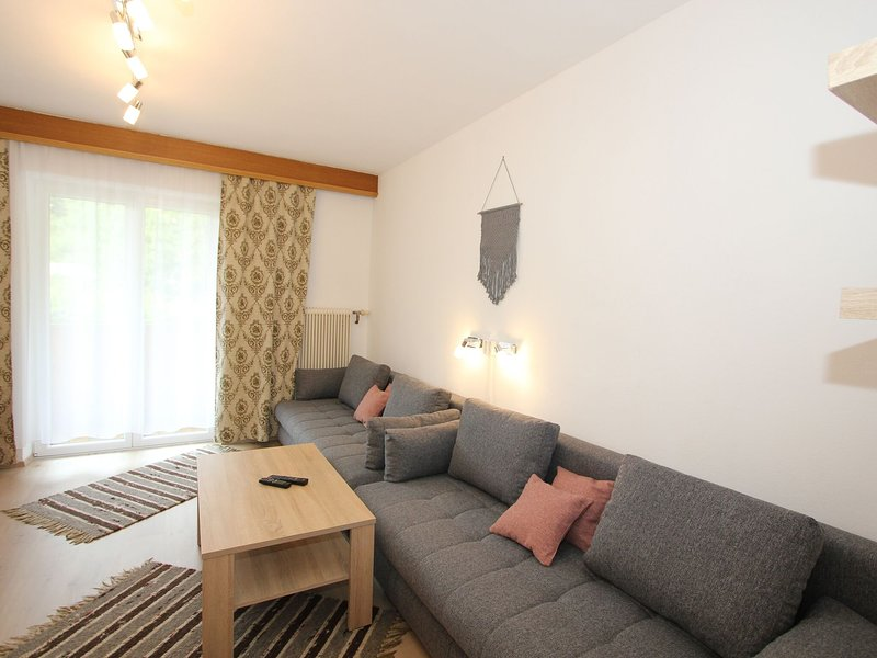 Beautiful Apartment in Aschau im Zillertal, with terrace, holiday rental in Zell am Ziller