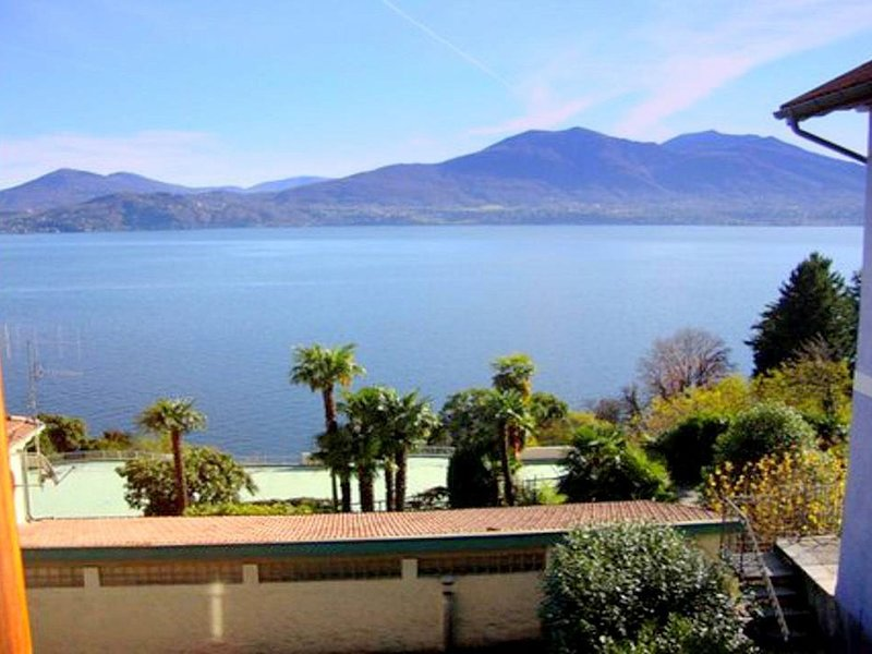 Comfortable Apartment with Lake View in Oggebbio, holiday rental in Aurano