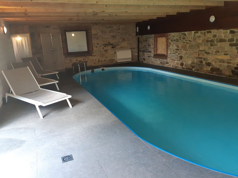 Cozy Holiday Home in Sourbrodt with Private Pool and Sauna, casa vacanza a Sourbrodt