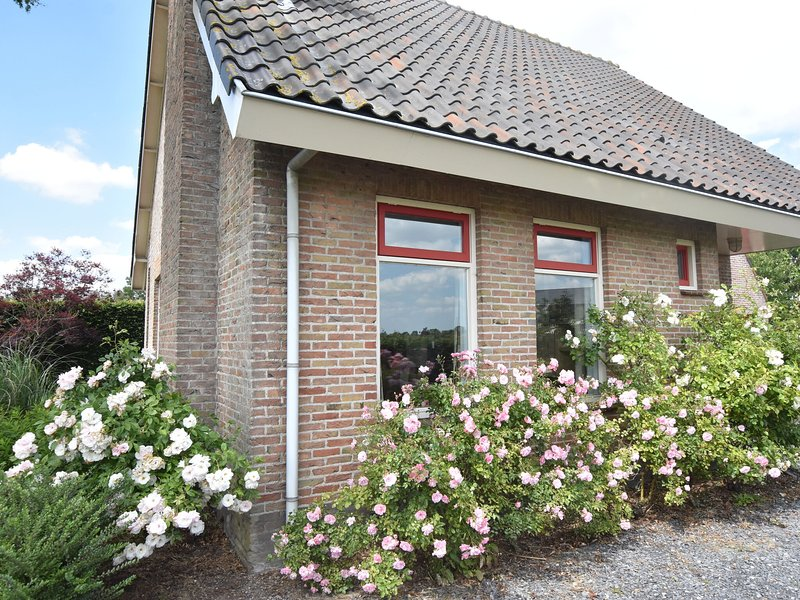 Beautiful Child-friendly Holiday Home in Eede, holiday rental in Aardenburg