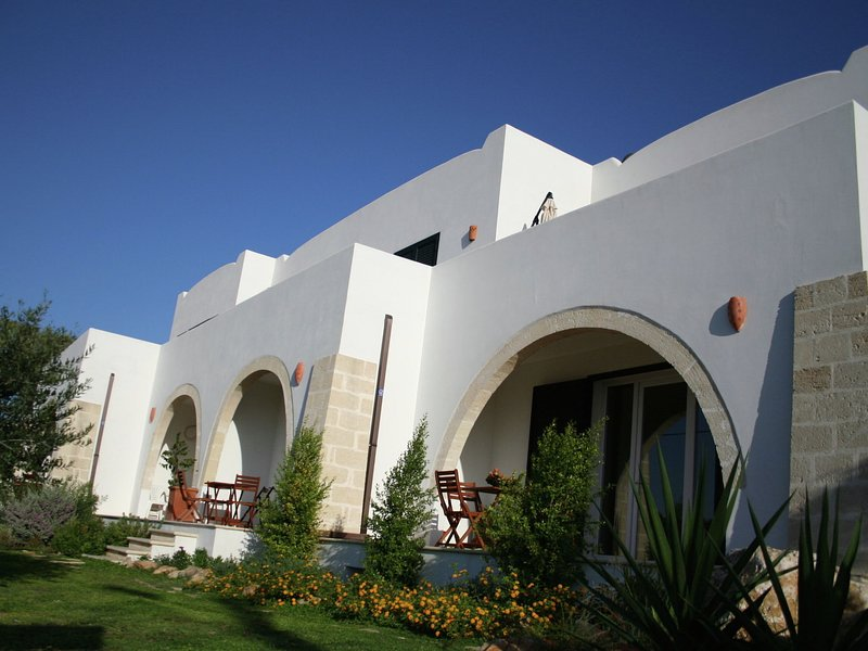 Plush Holiday Home in Salento Region with Coastal Views, vacation rental in Santa Maria al Bagno