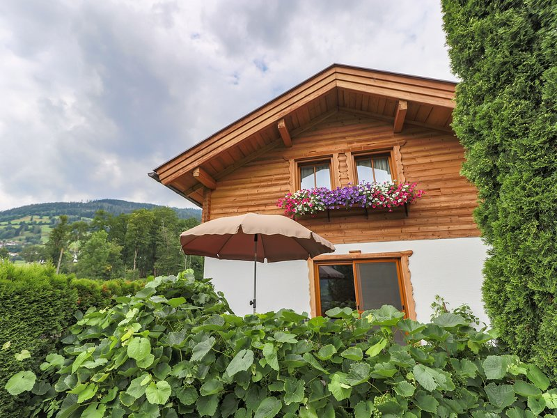 Cozy Holiday Home in Piesendorf near Ski Area, location de vacances à Piesendorf