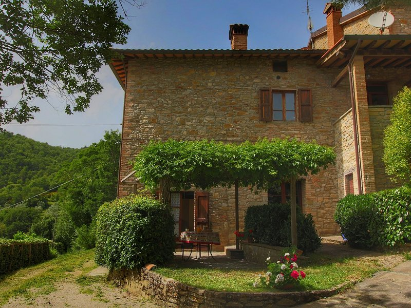 Farmhouse with stables, horses and the ability to make horseback riding, holiday rental in Morra
