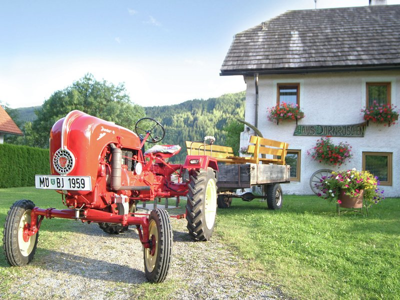 Quaint Holiday Home in Sankt Peter am Kammersberg with barbecue, holiday rental in Murau