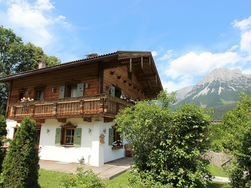 Quaint Chalet in Ellmau with Barbecue, holiday rental in Going