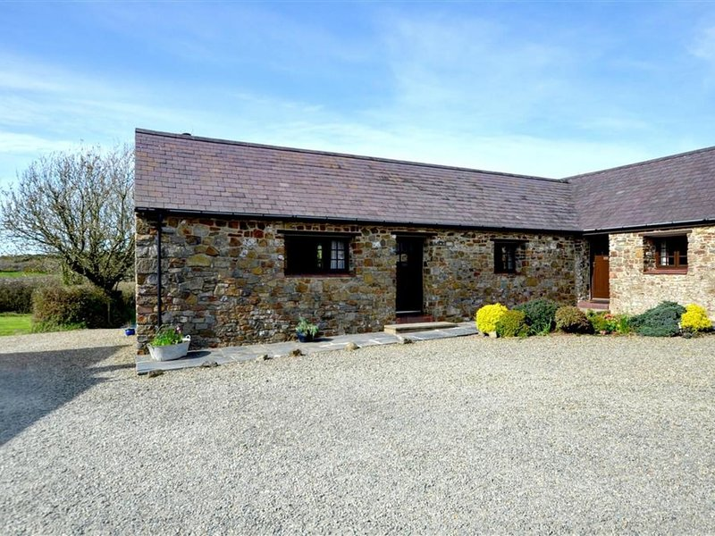 Quaint holiday home in South Wales near beach, holiday rental in Portfieldgate