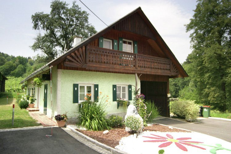 Private Holiday Home in Styria with Garden, vacation rental in St. Stefan ob Stainz