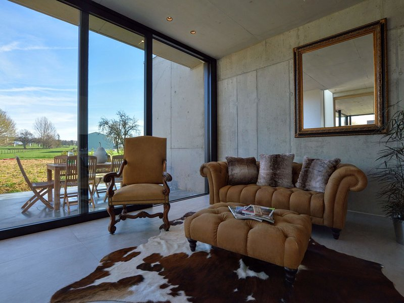 Modern and refined loft in magnificent countryside, 20km from Maastricht, holiday rental in Sint-Martens-Voeren