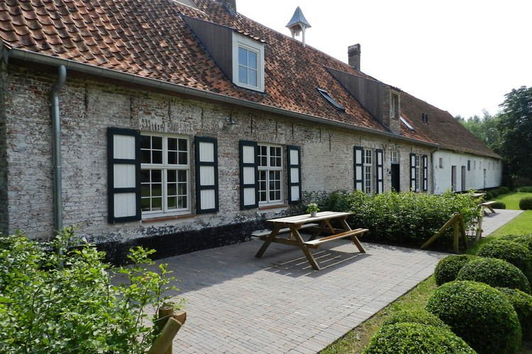 Modern Holiday Home in Damme with Private Garden, location de vacances à Beernem