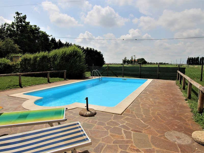 Holiday home in the Reserve of Delta del Po, Wi-Fi, pets allowed, swimming pool, holiday rental in Crespino