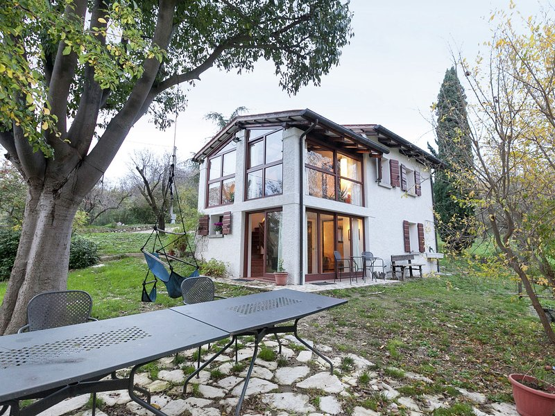 Luxurious Cottage in Vò with Garden, alquiler de vacaciones en Pojana Maggiore