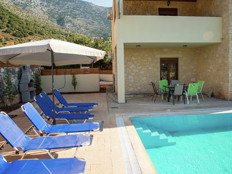 Luxurious Villa in Bali Crete with Private Pool, vacation rental in Bali