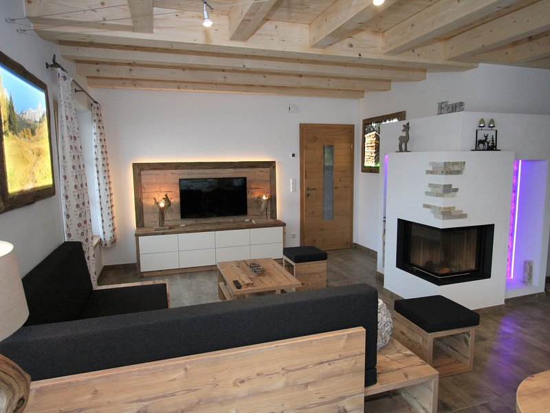Modern Chalet with Garden near Ski Area in Salzburg, location de vacances à Innerkrems