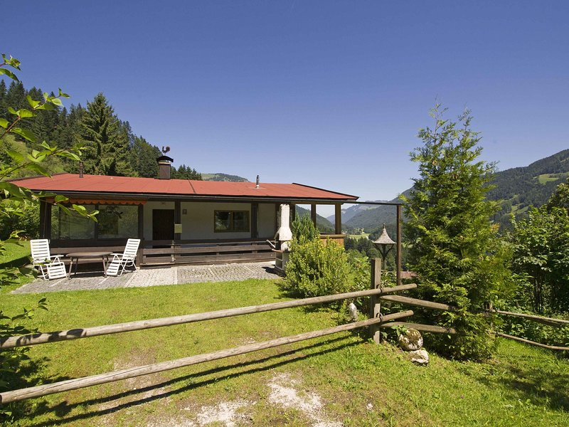Fantastic Chalet in Niederndorf bei Kufstein, with terrace, holiday rental in Aschau Im Chiemgau
