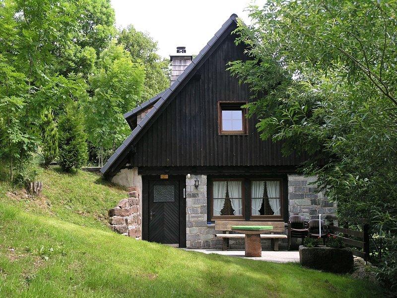 Detached mill by a rippling brook, aluguéis de temporada em St. Georgen im Schwarzwald