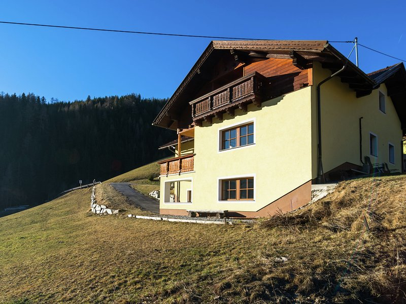 Beautiful luxury 5 star chalet, 17 people with in-house wellness centre. A winne, location de vacances à Innerkrems