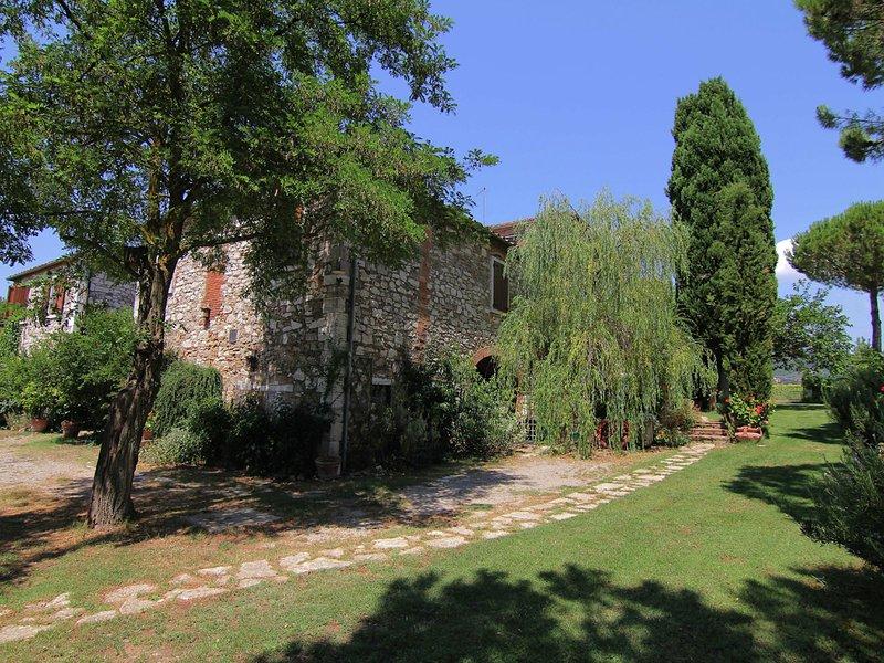 Exotic Farmhouse in Asciano with Swimming Pool, holiday rental in Serre di Rapolano