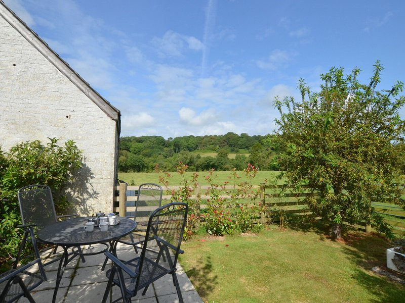 Beautiful holiday home in Rhydlewis with Garden, holiday rental in Coed Y Bryn