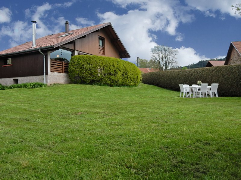 Cosy Chalet in Gerbépal With Terrace, holiday rental in Plainfaing