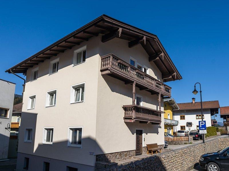 Cozy Apartment in Hopfgarten im Brixental near Swimming Pool, vacation rental in Hopfgarten im Brixental