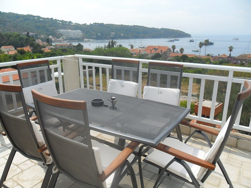 Attractive island apartment, private balcony with sea view over whole island, holiday rental in Lopud