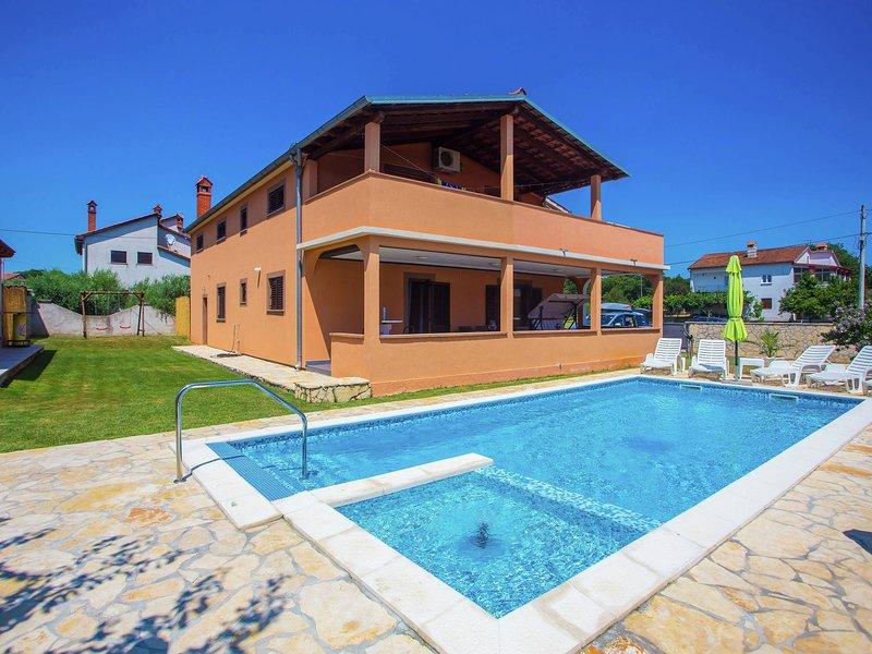 Two bedrooms ground floor apartment with private pool and garden near Pula, aluguéis de temporada em Loborika